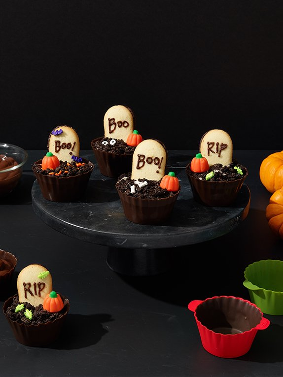 Boo Cups: Our Favorite Treat for a Halloween Party