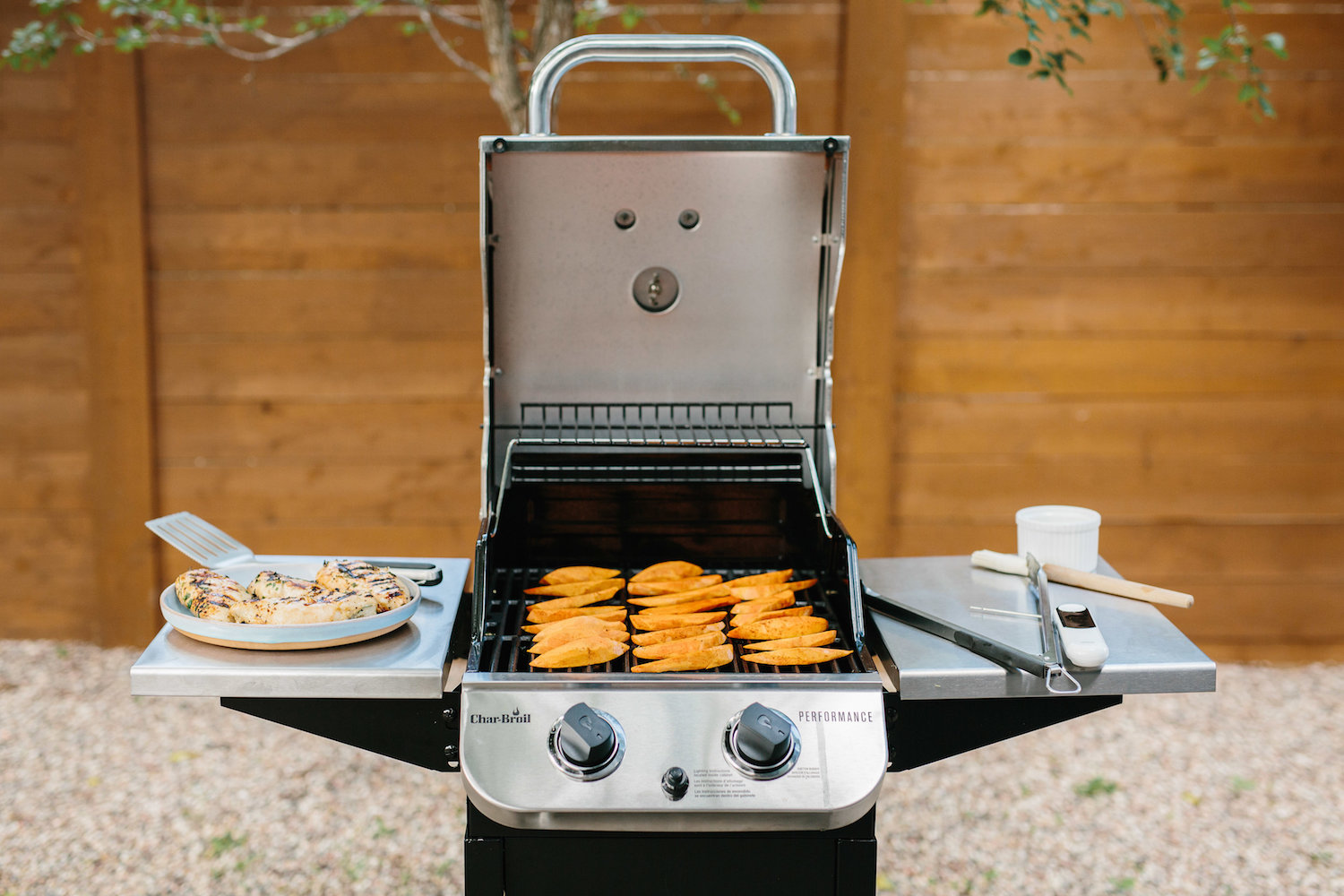 effortless chic's grill