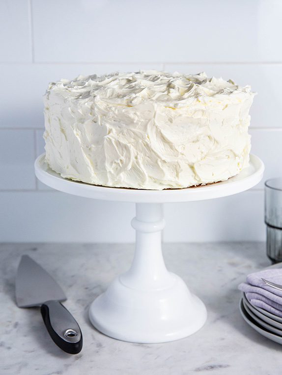 How to Frost a Cake: Tips for Professional Results