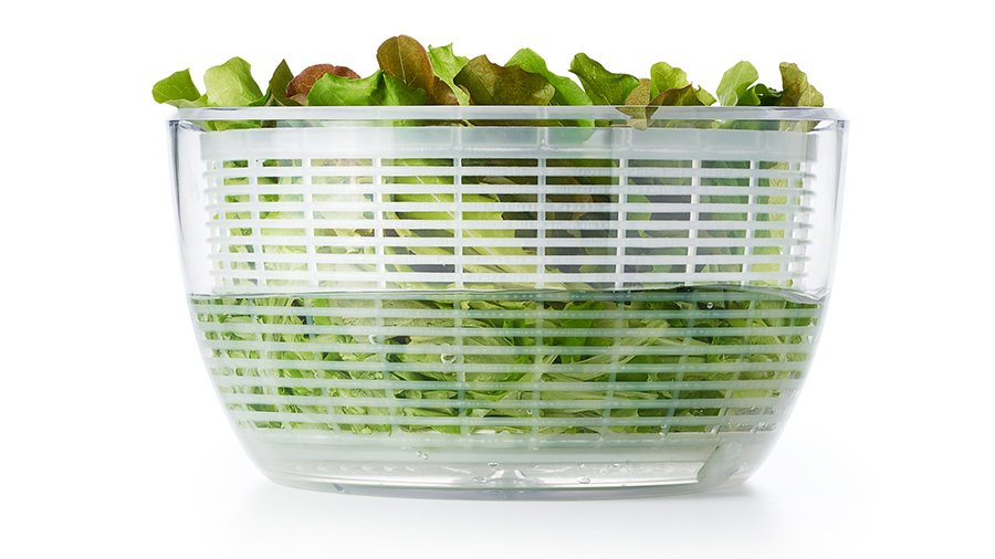 adding water to salad spinner