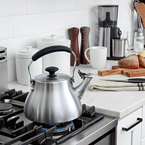 Classic Tea Kettle (Brushed)