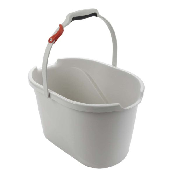 OXO Angled Measuring Bucket