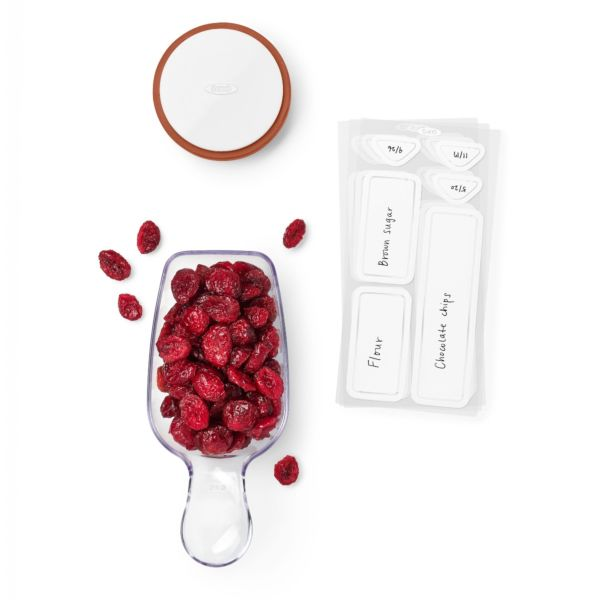 OXO POP 3-Piece Starter Set with dried cranberries