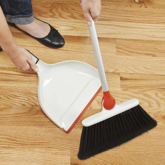 Any-Angle Broom 1801