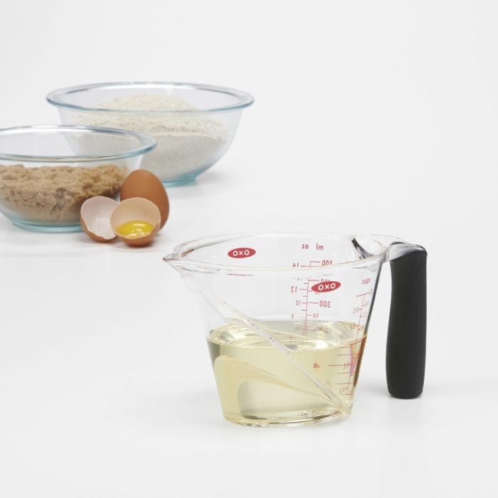 2-Cup Angled Measuring Cup 422