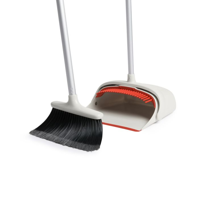 Large Sweep Set with Extendable Broom 1818